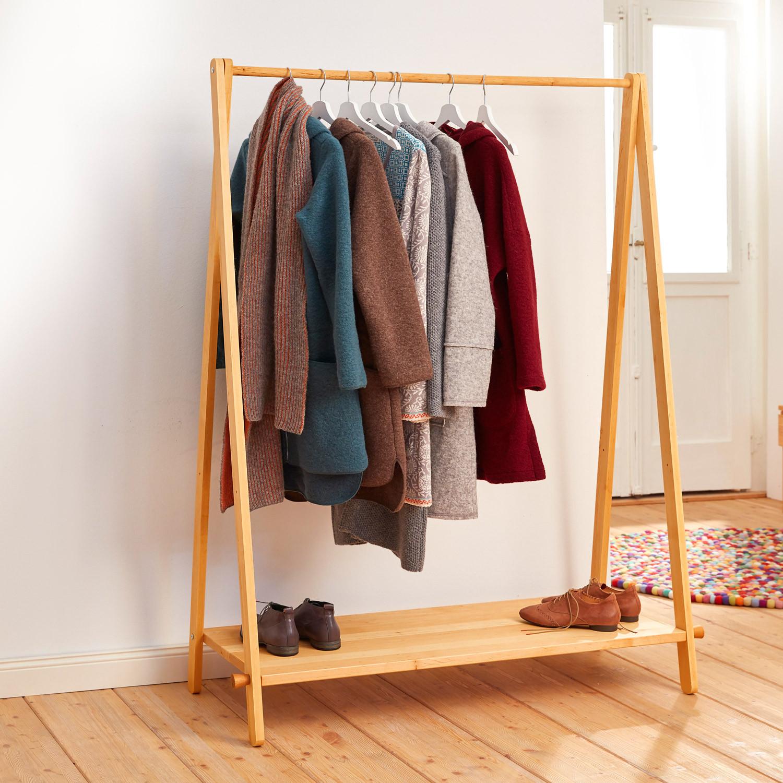 Garderobe aus erlenholz for Garderobe platzsparend